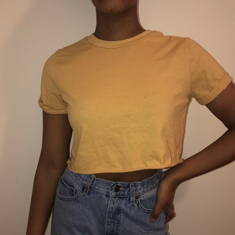 9bfe94c6ea forever 21 yellow cropped tee shirt. Fits size s m✨ tags  - Depop