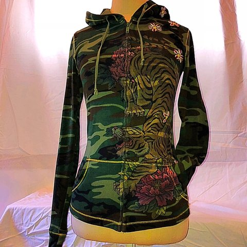 5a34470ad LUCKY BRAND camouflage zip-up hoodie with Japanese tiger and - Depop