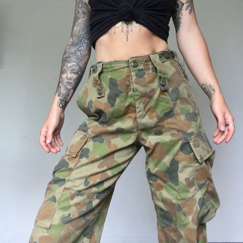 5e1f375f610 Vintage camouflage high waist cargo army pants Would fit a - Depop