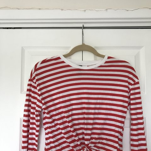 af4bc5ee40 h&m red and white striped tie crop top size xs. Bought a few - Depop