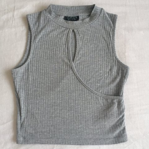 440c27fd9d0b20 TOPSHOP Grey Crop Top ~ Cut Out Feature at the Front