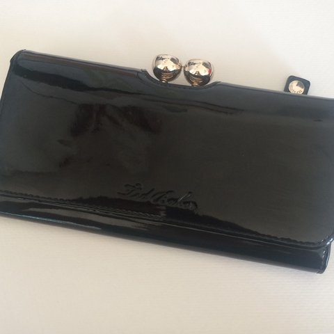 ebf551d45 LARGE GENUINE TED BAKER PURSE. Black patent