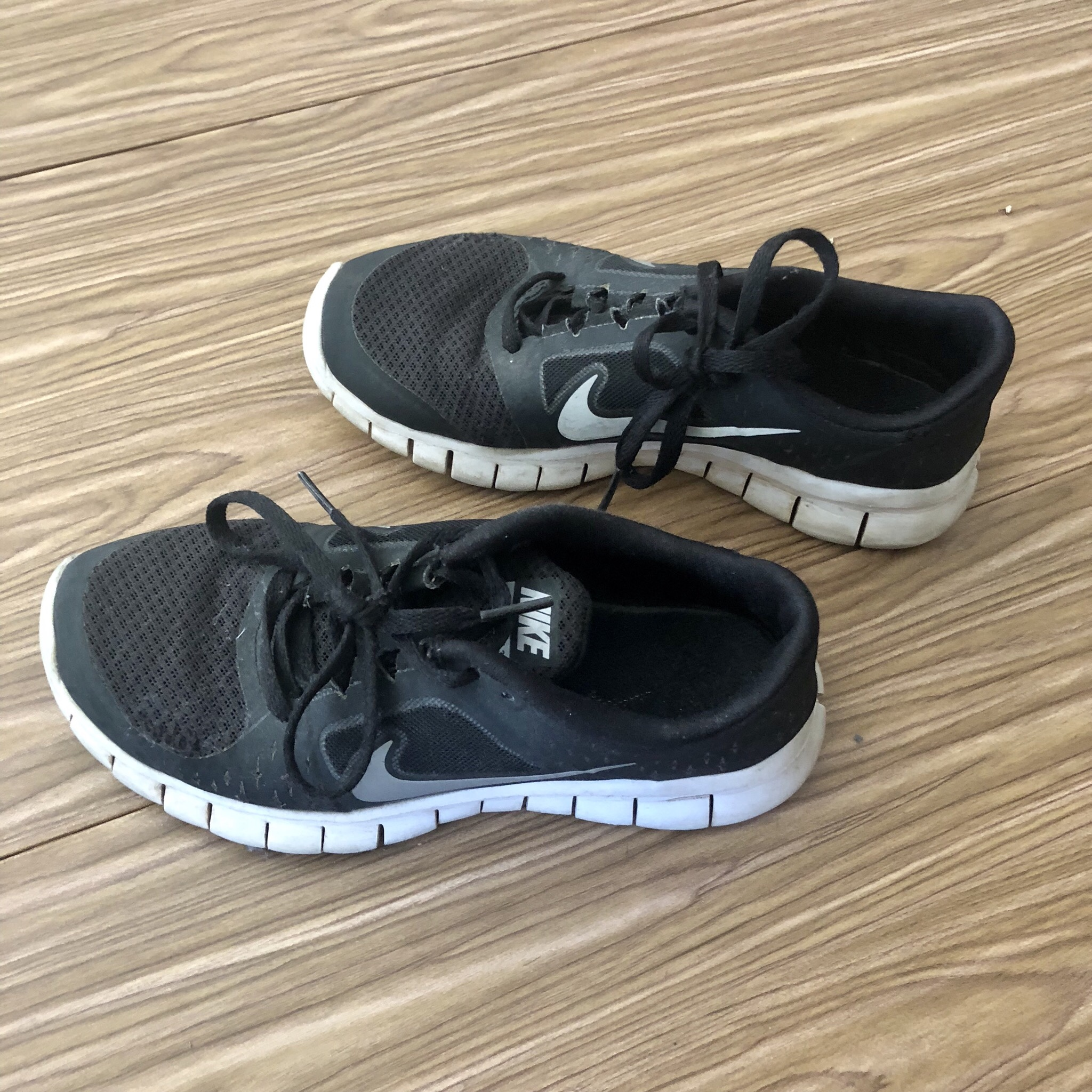 Nike . Black Free Run 3 Disclaimer: these are size Depop