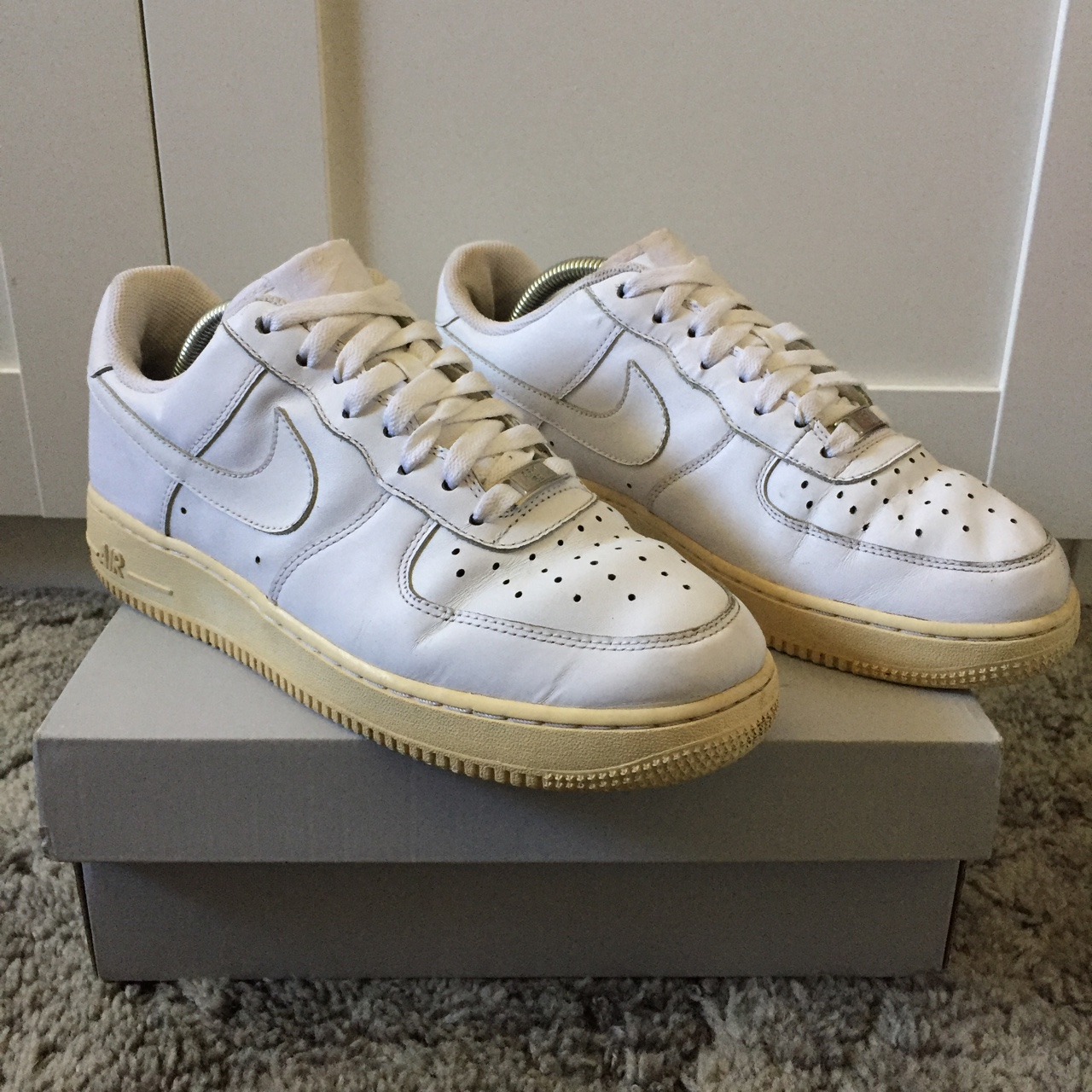 Nike Air Force 1. White. Minor creases