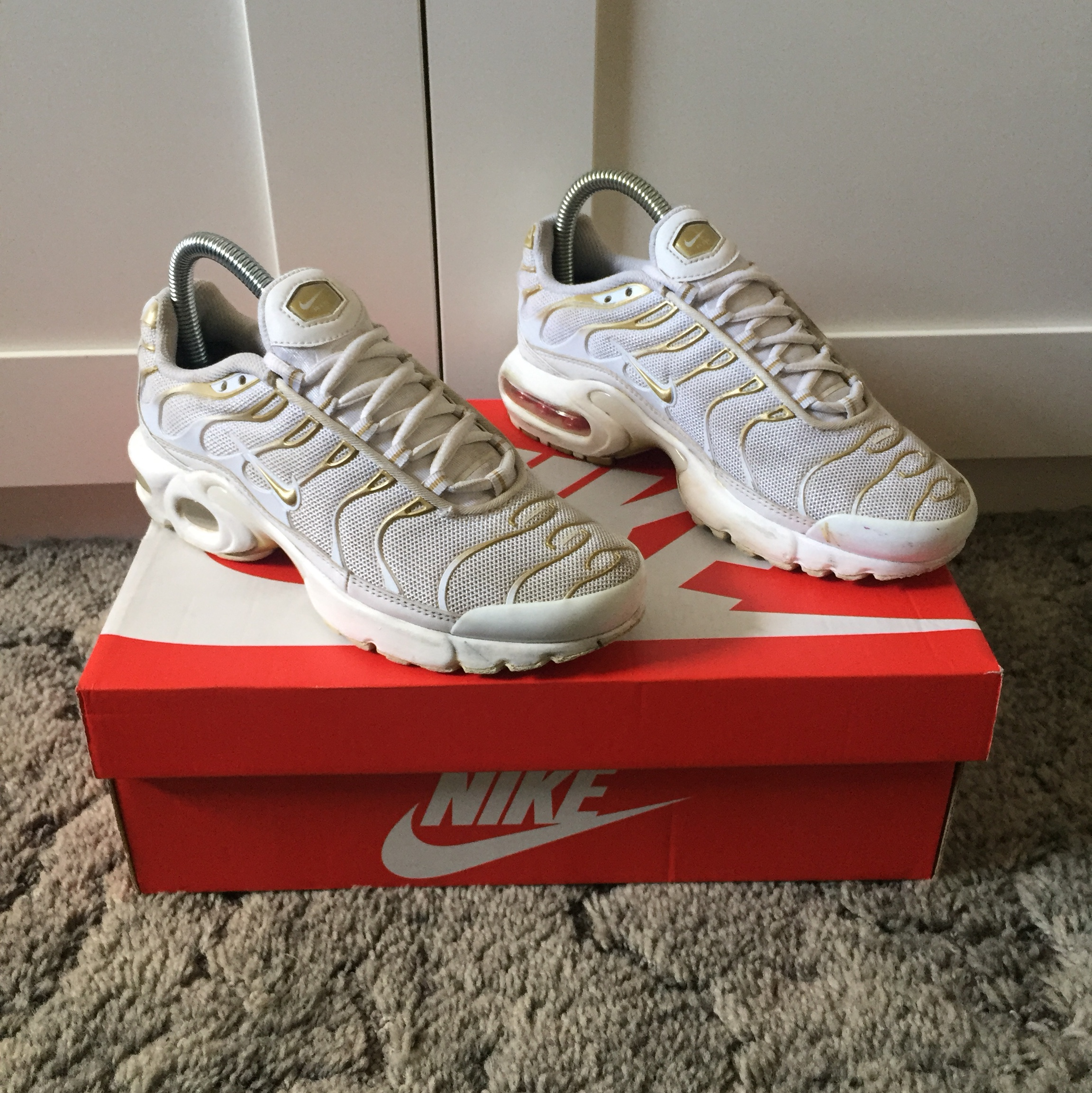 sneakers for cheap bb314 a713f Nike Tn. White/Gold. Dirt/scuffs on midsole and... - Depop
