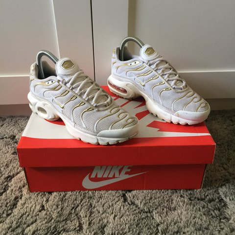 brand new e8ef7 64f8b Nike Tn. White Gold. Dirt scuffs on midsole and upper of is - Depop