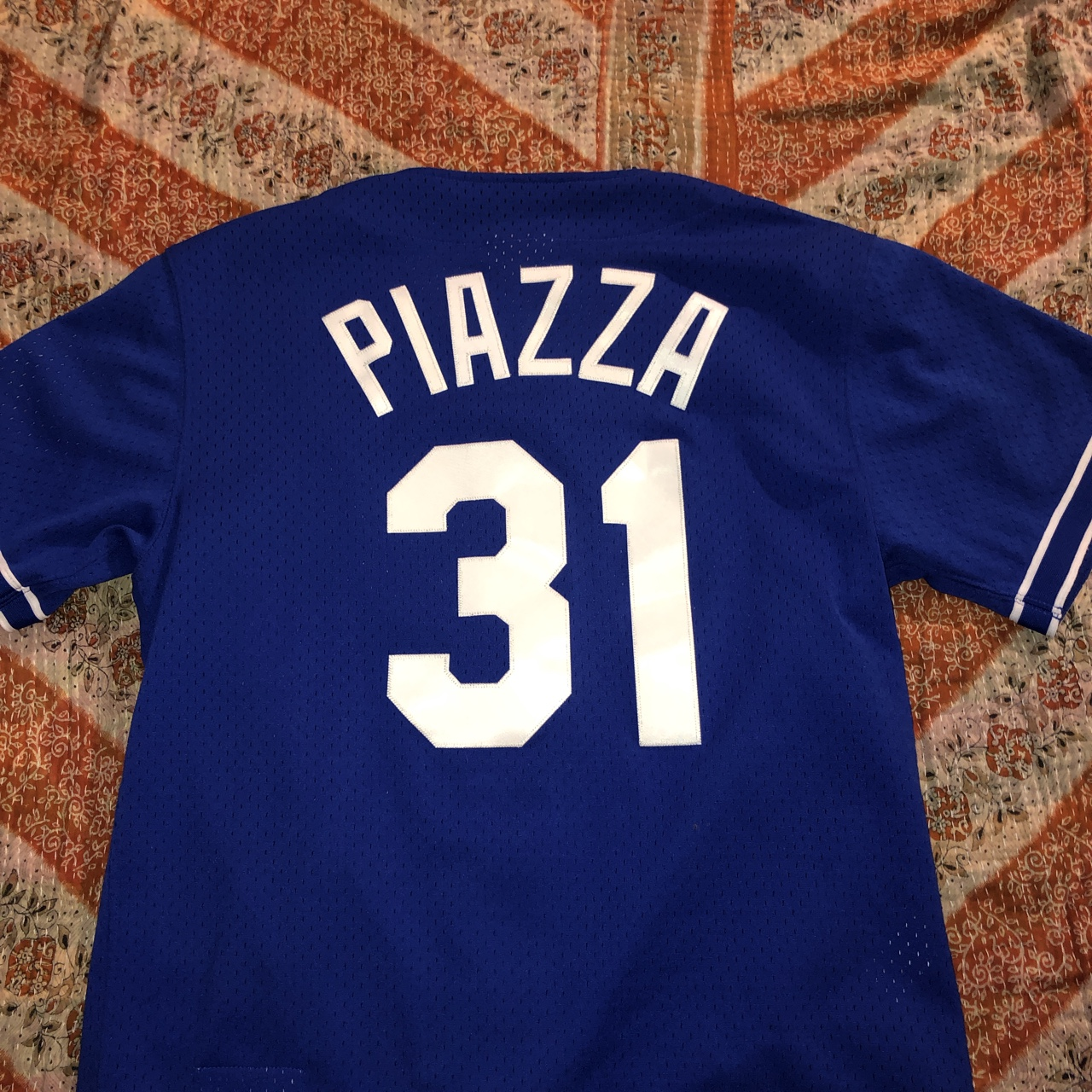 quality design 769e8 15357 Vintage looking Dodgers Mike Piazza baseball jersey.... - Depop
