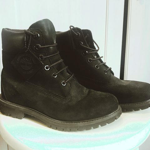 584222554ee7 Size 5.5 ladies black timberland boots Worn once or twice