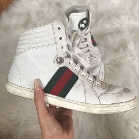 a3323e0874d AUTHENTIC Gucci Hightop Sneakers Size 7 in Women s but runs - Depop