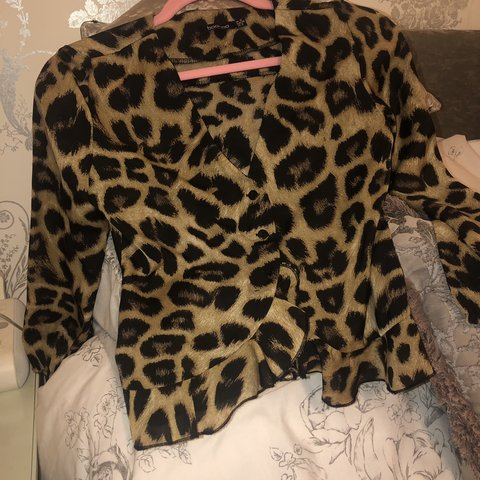 118fdb39117748 @mdevlin93. 3 months ago. Armagh, United Kingdom. BOOHOO leopard print  plunge blouse with frill design 🐆 #LeopardPrintTop #BooHoo #Asos