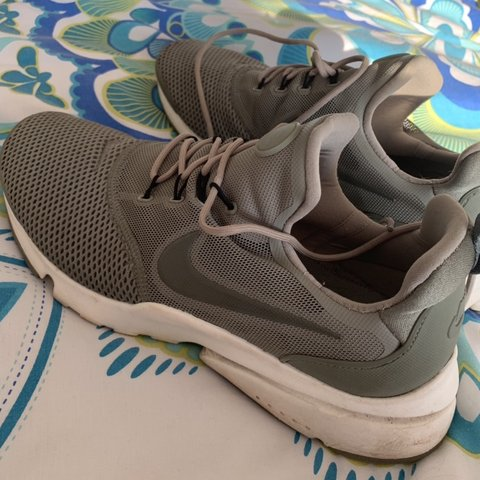 0102d61f4178 Nike khaki presto fly Uk 7.5 but can fit a 7