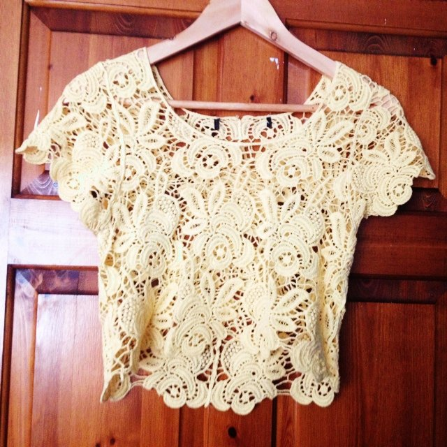 8d8d413d627 Crop crotchet top. Yellow. Size Small 6-8-10. Labels cut off - Depop