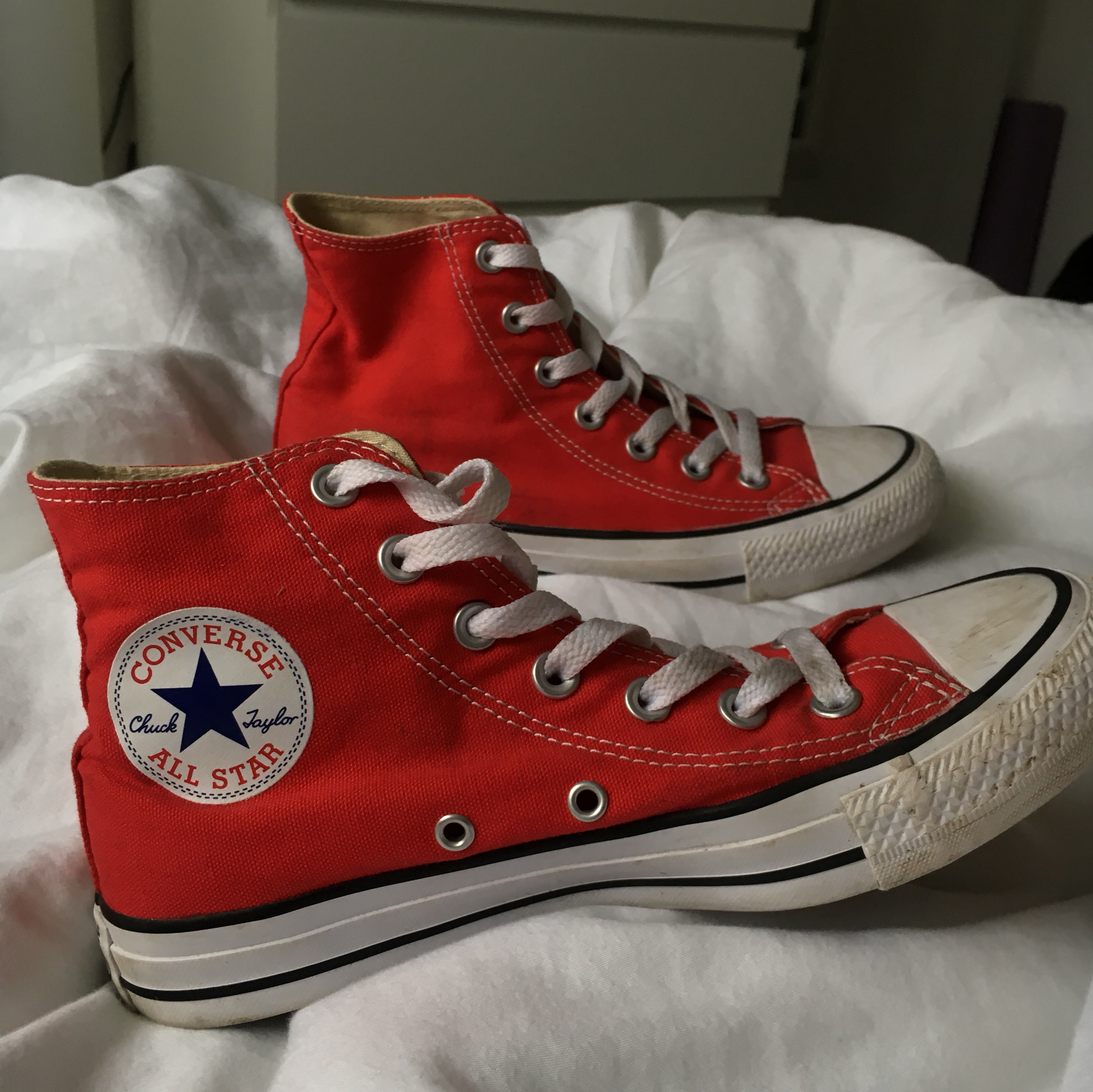 CHERRY RED HI TOP CONVERSE ALL STAR ! PERFECT Depop