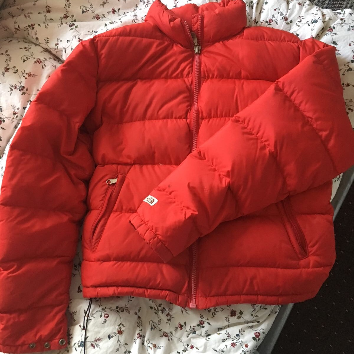 ab7d94c61 Super cute red the north face puffa coat, puffer... - Depop