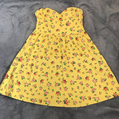 cf16279399 Forever 21 yellow floral dress  forever21  yellow  floral - Depop