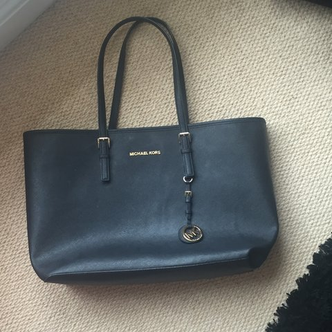 22a7624e2b65 @amberjaynew. 3 years ago. Chester, Chester, Cheshire West and Chester, UK. Michael  Kors bag! Black leather. Large tote bag! Has been ...