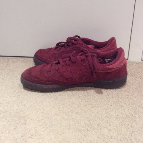 76d33fc6ca Reebok club C 85 TG Only warn a couple of times Size 6.5 7 - Depop
