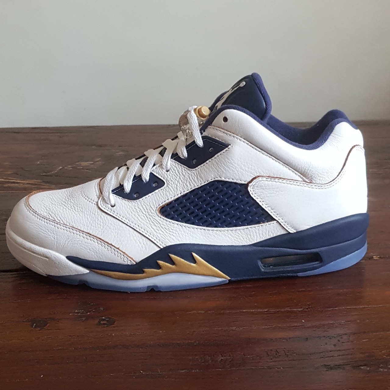 new products e7ace 8f40d Nike Air Jordan Retro 5 Low