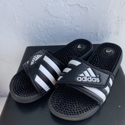 d4395d32b 🏁🖤ADIDAS SLIDES🖤🏁 PRICE INCLUDES U.S. SHIPPING classic - Depop