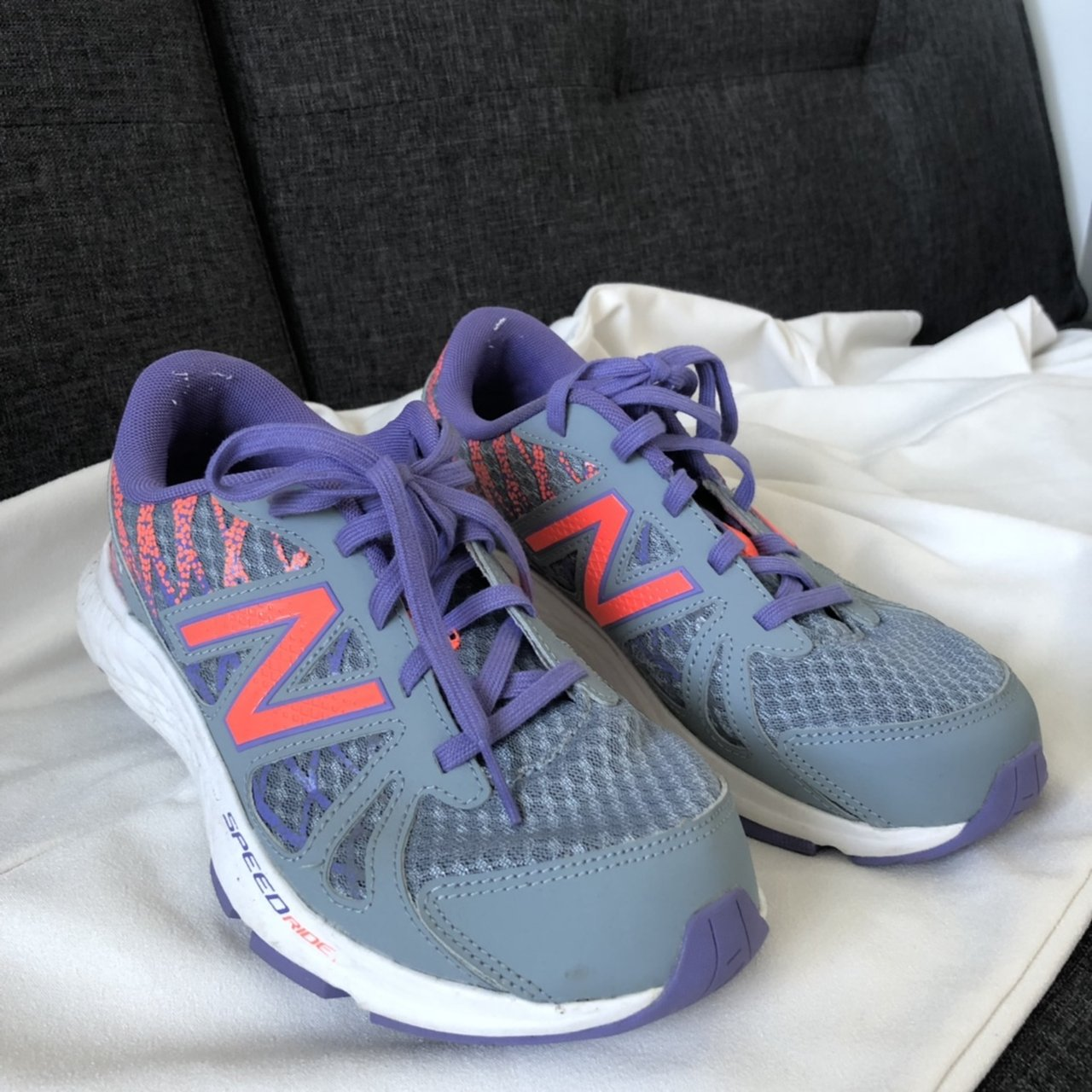 9a8c5460c4293 @chloehaf26. yesterday. Ellesmere Port, United Kingdom. New balance size 5  running trainers