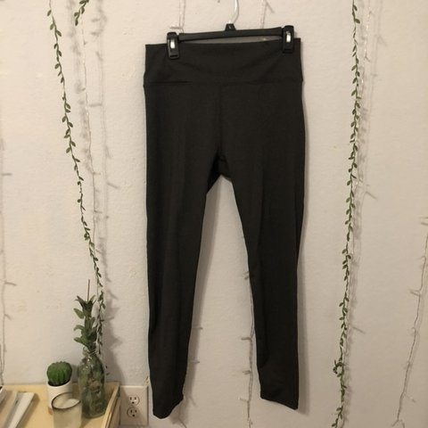 7a607049941a02 DARK GRAY FABLETICS LEGGINS 🍓 Condition: Excellent Fit: to - Depop