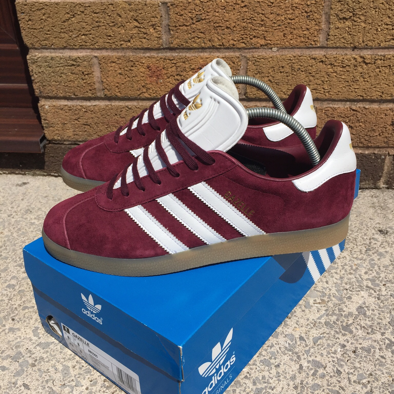 Adidas gazelle burgundy/gum uk 8, Trainers are in...