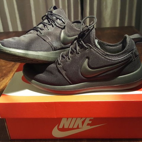 competitive price fb928 252ce   sneakers . 2 years ago. United Kingdom. Nike Roshe run. Size  7