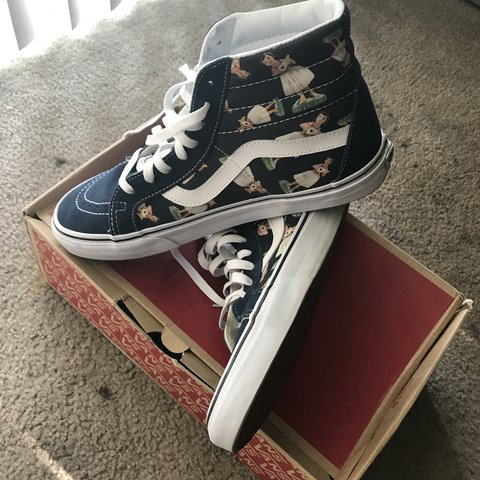 Vans Sk8 hi hula girl print Shoes are in great condition two - Depop 2b2c58869