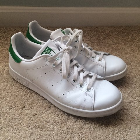 d6b8a856322 Adidas Stan Smith tennis shoes - Men s size 9.5 Worn a of - Depop