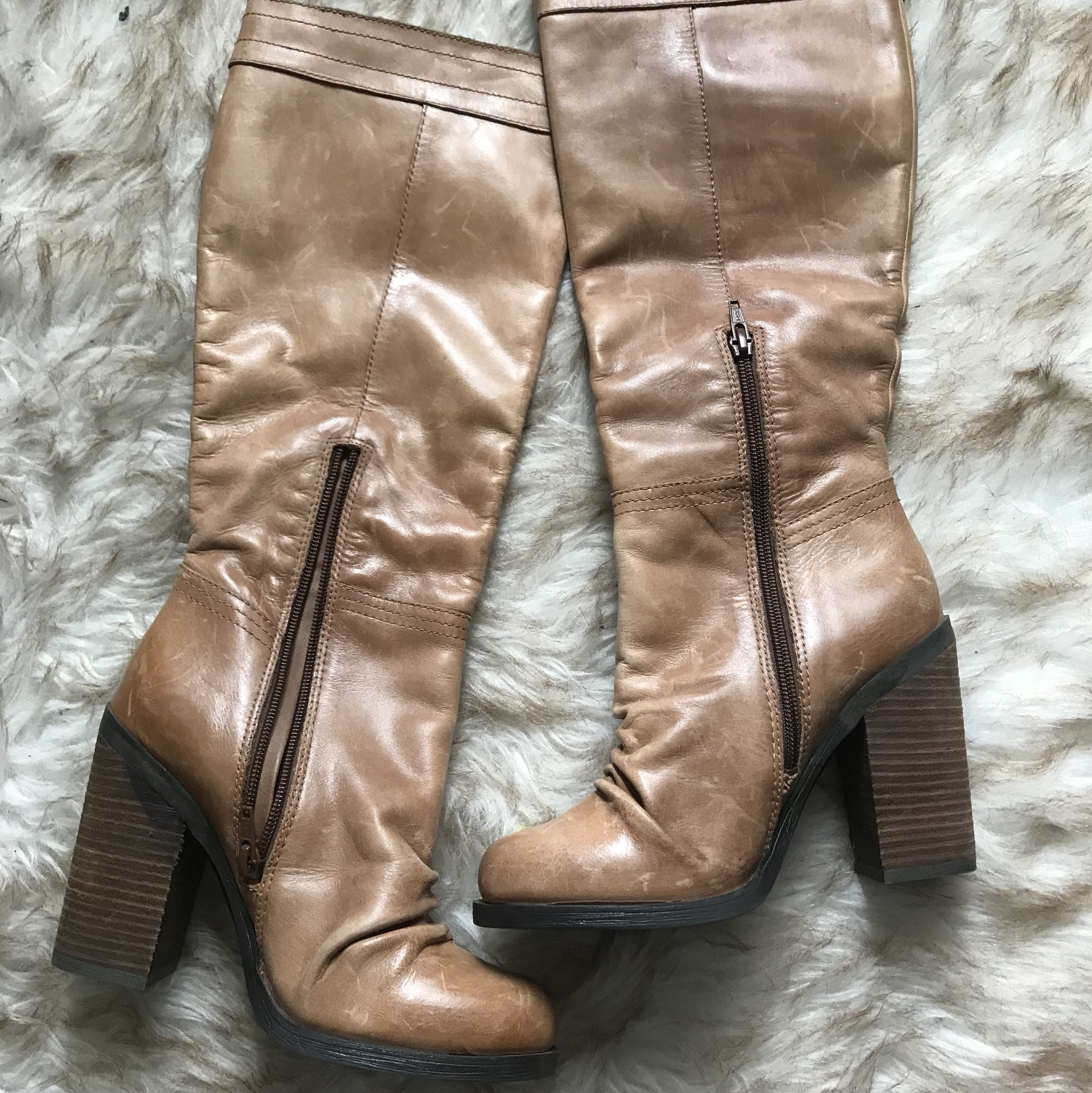 4f7a07e6c28 JESSICA SIMPSON tan leather knee high boots. Size... - Depop