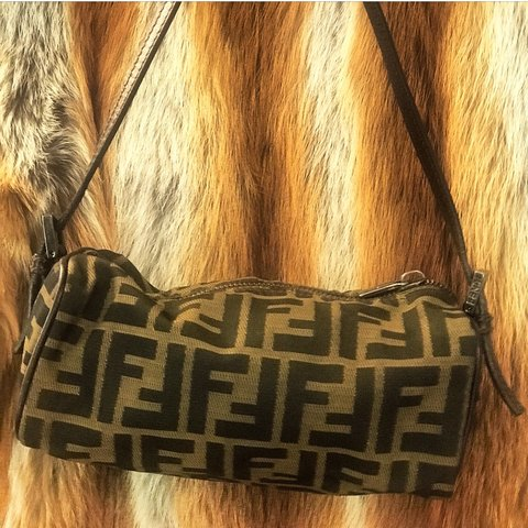 FENDI Small shoulder bag -💯 Guaranteed Authentic -Pics - Depop 914cfe1c83804