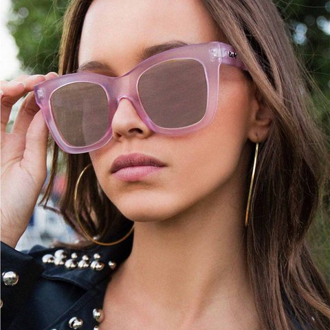 2d83facf01  isabelreynolds33. last year. Canada. Quay Australia After Hours sunglasses  in pink ...