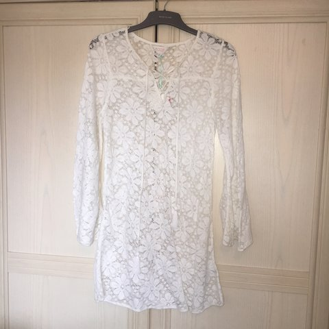 9cb8a054be50e White lace beach cover up dress. Never worn brand new with - Depop