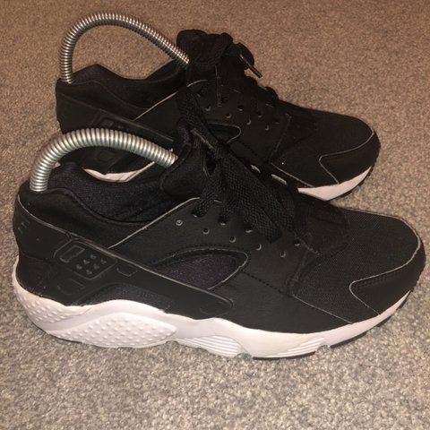 20ee75032047 Amazing condition size 6 black Nike huaraches. Open to asos - Depop
