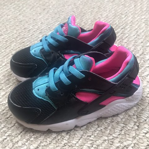 best cheap 83a19 ee685 Nike huaraches Toddler Girl Size- 0