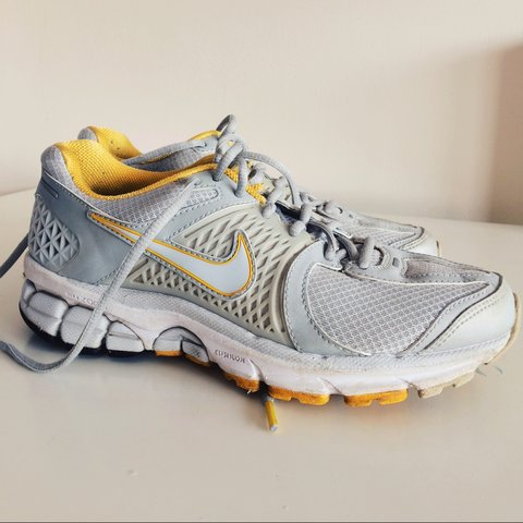 wholesale dealer 6be46 27cc7 Limited Edition Livestrong Nike Air- 0