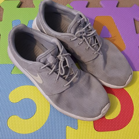 b9b5f689c08c Grey nike roshe run size 11 good condition could maybe do in - Depop
