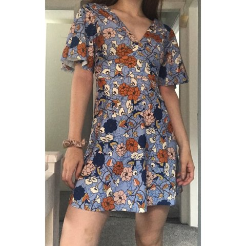 6890e06ccd2 REDUCED- Stunning floral dress from Zara. Size small. Worn I - Depop