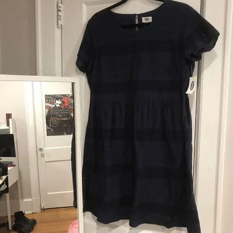 7c92846e2245 super cute navy blue shortsleeve old navy dress with patters - Depop