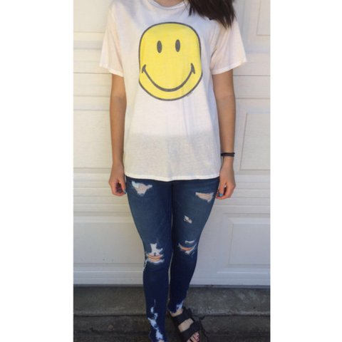 532c9a6f Cute smiley face tee shirt From urban outfitters, new with - Depop