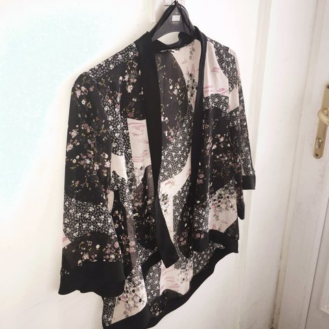 5df53d618c6c @daisymw. 2 years ago. Barnton, United Kingdom. Really nice floral kimono  jacket bought from Matalan ...