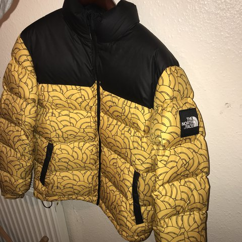 Be banana boi 🍌 North Face Nuptse Yellow dome 4f4541733
