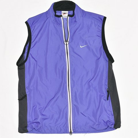 3a31cf272b7c PURPLE NIKE WINDBREAKER VEST! Size 16-18 kids but fits like - Depop