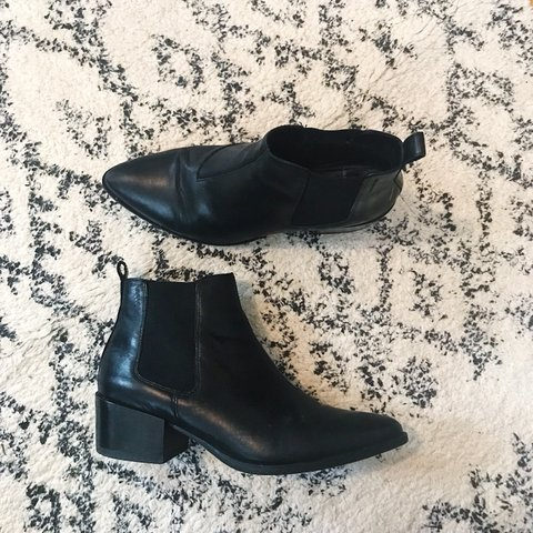92e732163775 Vagabond pointed black leather ankle boots. Small block boot - Depop