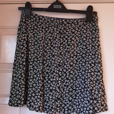 0767a3525 @kezzie87. 2 months ago. Spencers Wood, GB. Superdry black and white floral  print mini skater skirt ...