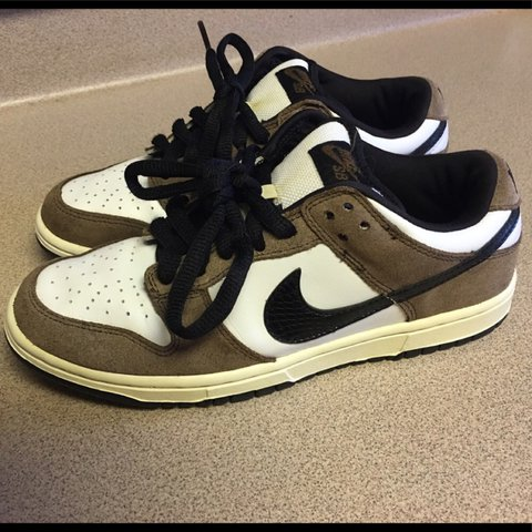 65a039927381 Pre-Owned Nike SB Dunk Low Pro Trail End Brown sz. 5.5Youth - Depop