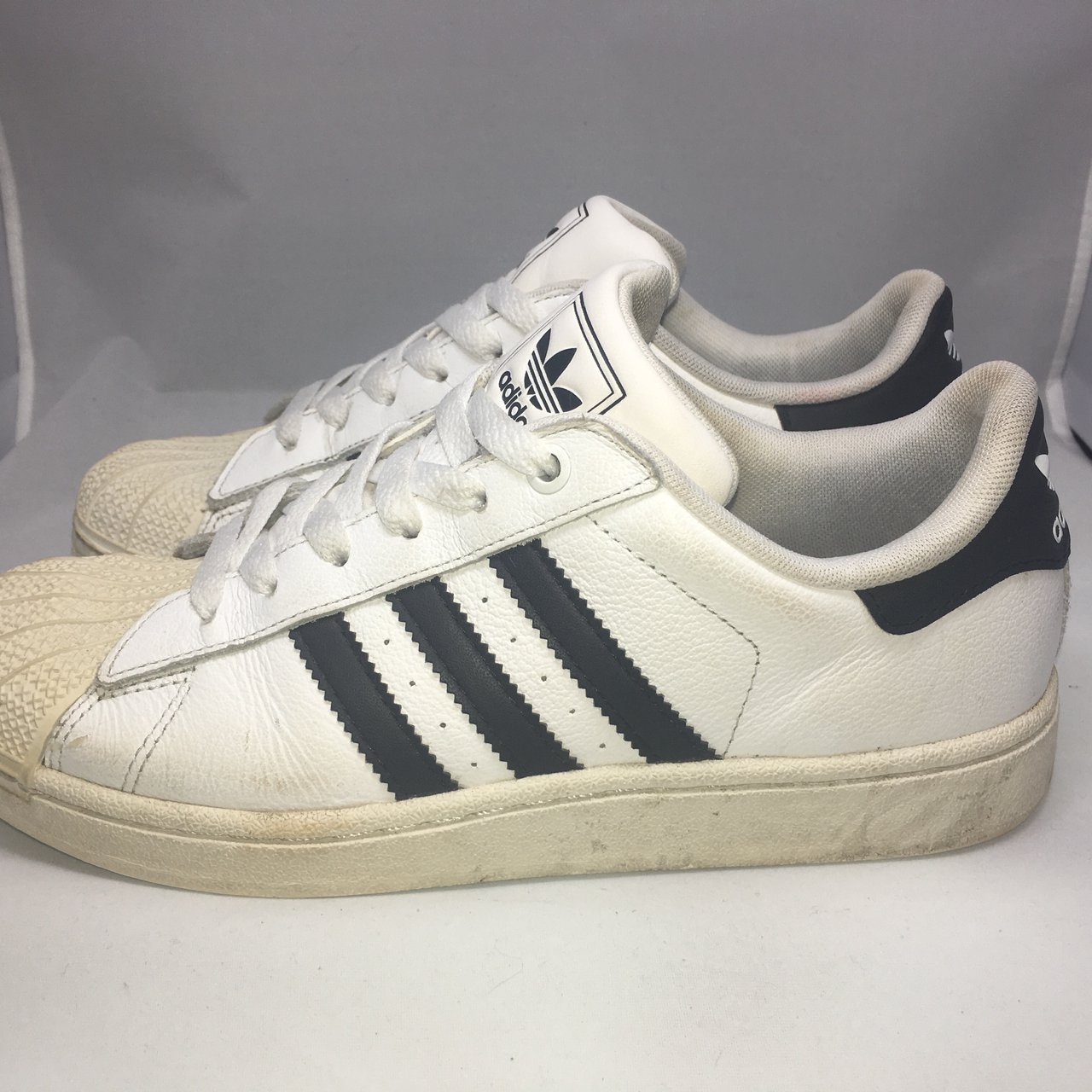 PreOwned Adidas Superstar 2 Black White Leather Kids Size 5 - Depop 918912d2bfd2