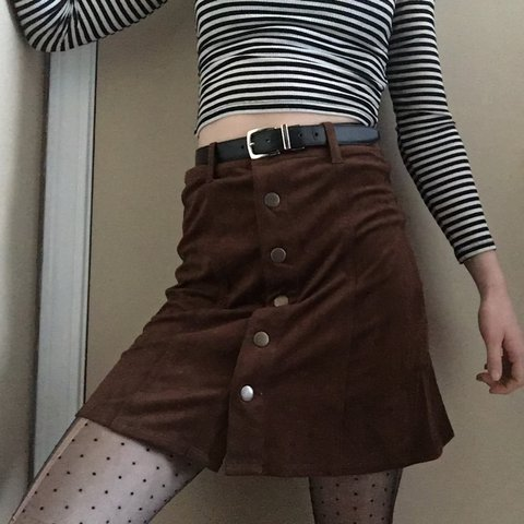 a47cef2c5 @gracie_beachh. last year. Red Hook, United States. Dark brown suede skirt w/  snap buttons down the front. Tag says 00 ...
