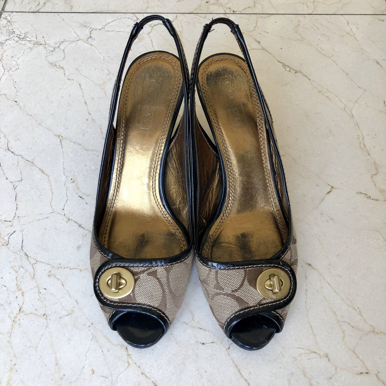 16665a26e some super cute vintage coach heels!! these are so adorable - Depop