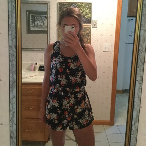 488454a2a589 Floral romper from Xhilaration. Worn only once. Tag says XS - Depop